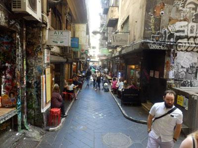 人気のカフェが集まるストリート