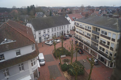 Kirchplatz mit Brunnen, Februar 2014