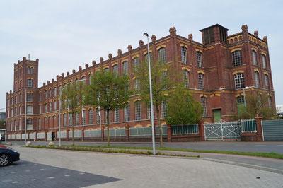 Südostansicht des Hauptgebäudes, April 2014