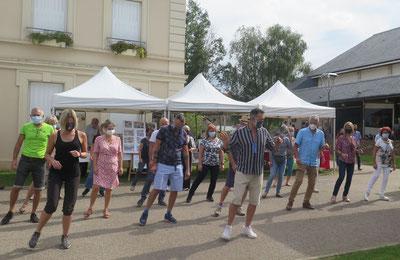Forum des Associations à Gretz, démonstration de danses en ligne  (Liliane, 04/09/21)