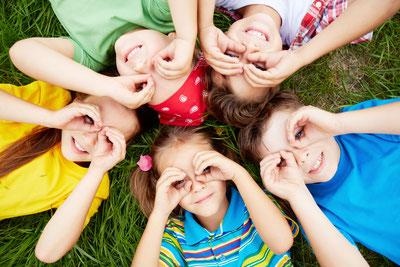 Motto Geburtstage und Veranstaltungen machen Kinder glücklich! Ich biete Kindergeburtstage mit Schminken an in Vorarlberg, Liechtenstein, Schweiz (St. Gallen) & Deutschland am Bodensee. Wenn Kinder ihren Geburtstag feiern ist Kinderlachen vorprogrammiert.