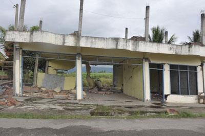 2013年7月の地震被災後のブランマンチュン村