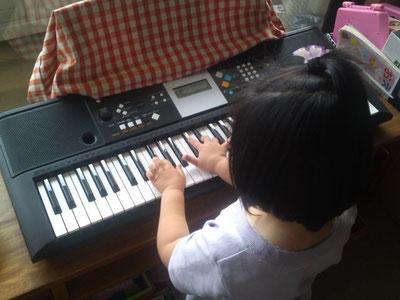 娘の5歳の誕生日プレゼントのキーボード