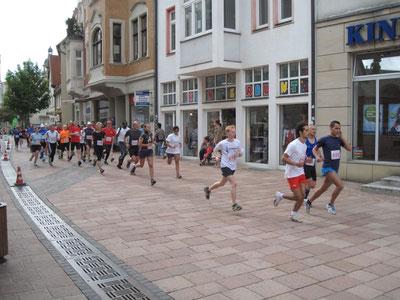 Start für den 5 km Pokallauf ist erfolgt