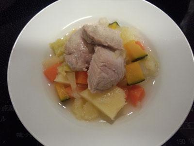ドルチェの晩ごはん:冷え込んできたので根菜のポトフ