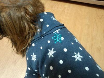 籠目の刺繍の背守り