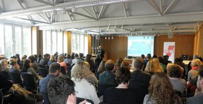 Rund 90 Seminarteilnehmer im Stadeum (Foto: GEW)