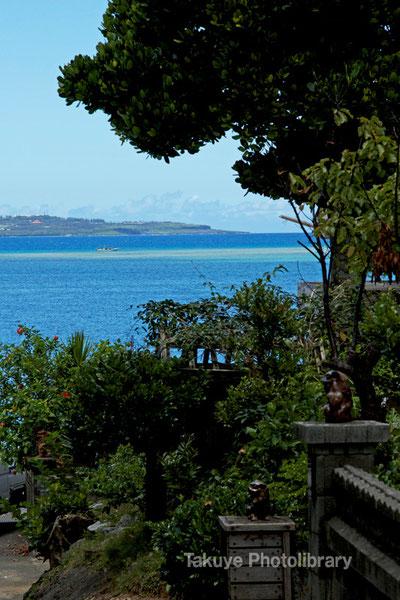 島と海を借景する 沖縄の風景