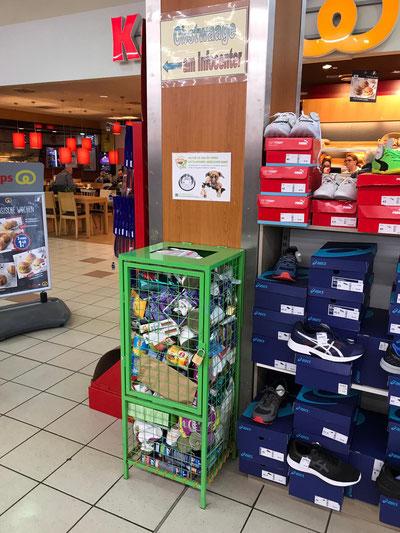 Spendenbox im Realmarkt Bedburg, Foto: Härtel