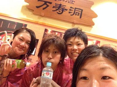 (左から)岡野選手、永吉選手、松木選手、近藤選手