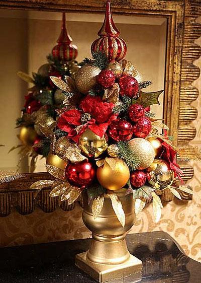 Новогодняя елка из шаров