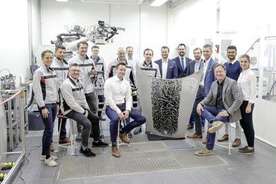 MAG Lifestyle Magazin Auto Motor Sport Porsche Exclusive Manufaktur 911 Elfer personalisieren persönlich Fingerabdruck innovatives Druckverfahren Karosserie Lackierung Individualität