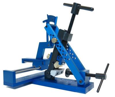 True Blue Loft & Lie Biegemaschine