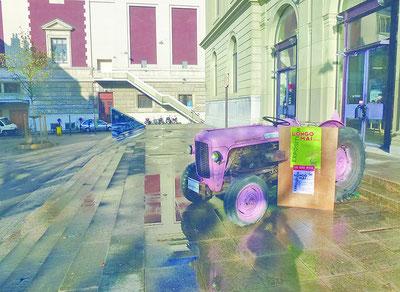 Longo maï Ausstellungsobjekt vor dem Grütli, Genf