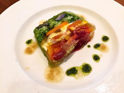 スモークサーモンと野菜の自家製テリーヌ