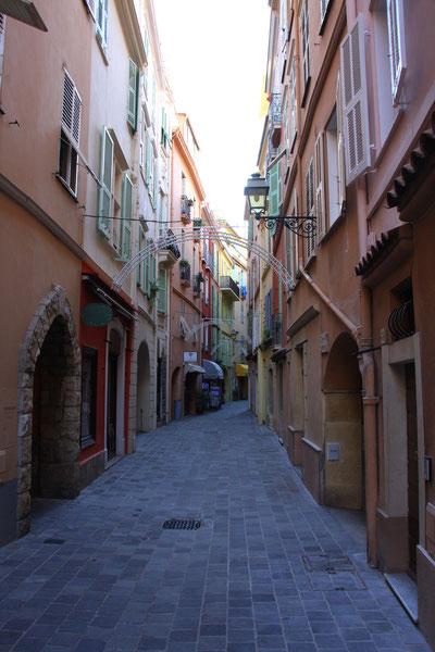Bild: Rue Basse in der Altstadt von Monaco