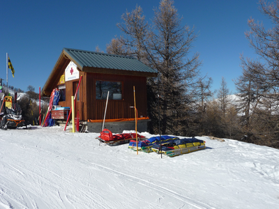 photo secours en montagne, traumatologie du sport, rapatriement, ski Alpes, Dr Rémi chirurgie orthopédique Toulouse Croix du Sud