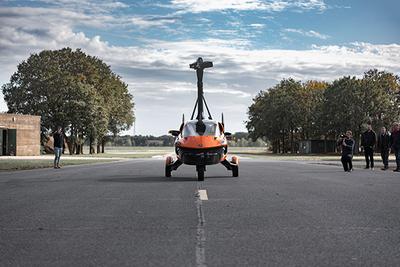 MAG Lifestyle Magazin Auto Autos fliegen  fliegendes Auto PAL-V Liberty Straßenzulassung Mobilität Zukunft Sicherheit Benutzerfreundlichkeit Leistung Kompaktheit Designfaktoren