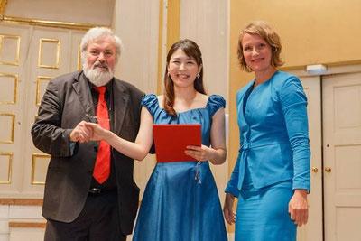 2013年モーツァルテウム国際夏期講習(ザルツブルク)Prize Winner表彰式にて