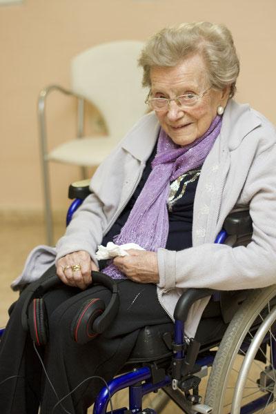 Rosario, a sus 105 años, tras haber escuchado su música