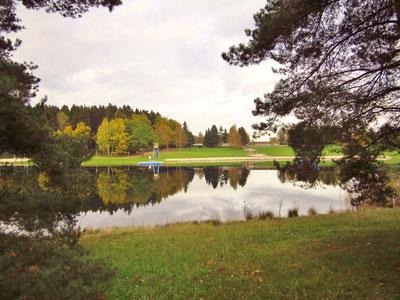 Der Stausee Rabenstein im Herbst
