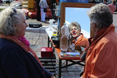 """""""Kinder""""Schminken beim Maibaumfest. (Foto: Kirchhoff/HGV)"""