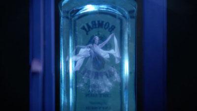 Ein Klick startet das Video - Sprechender Flaschengeist von Bombay Sapphire. Quelle: BBDO Düsseldorf