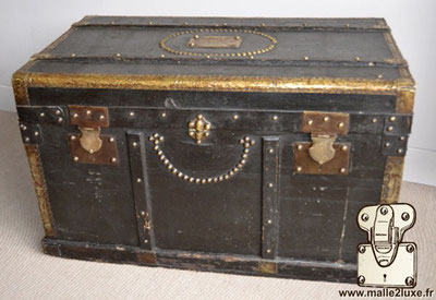 old black poultry trunk