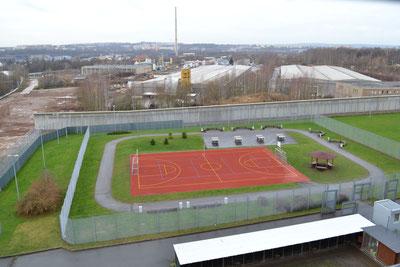 Sportplatz und Hundegatter in der Jva Reichenhainerst236 in Chemnitz