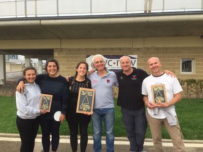 Il podio al C.N. San Vincenzo: al centro (1°) Andrea Minoni e Paola Capizzi, a dx (2°) Giorgio Leone e Vincenzo Roselli, a sx (3°) Rebecca Fiore e Cecilia Bruno