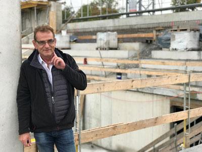 Andy Leutenegger ist täglich auf der Baustelle. Bild: bt