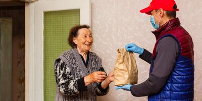 bunts.ch vermittelt zwischen Hilfesuchenden und Helfern. Bild: Adobe Stock Photo