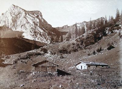 Die Füssener Hütte mit dem Schartschrofen, um 1900