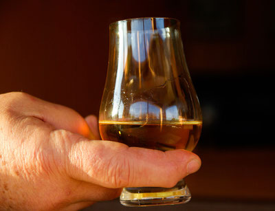 Whisky, Whiskey, Whiskyfaß, Whiskylager, Barrel, Cask, Distillery, Destillerie,