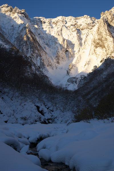 水上の誇る雄大な谷川岳