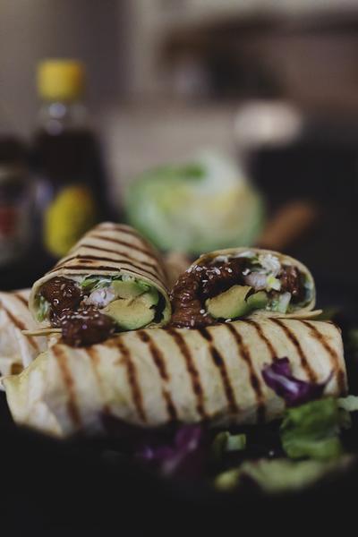 Flexibel und mobil essen mit den trendy Mini-Mahlzeiten wie Wraps