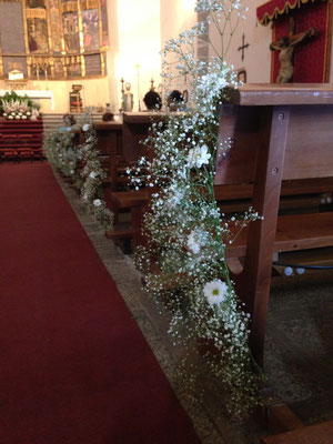 boda cris&jorge-iglesia-pasillo-paniculata-cadenetas