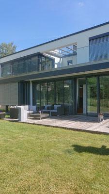 Einfamilienhaus im Bauhausstil, frei geplant
