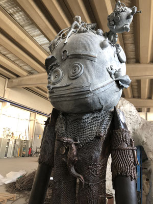 Tavana Rahi -Sculpture en bronze de George à Villeneuve Loubet, Golf de la Vanade- Doodle, grand modèle 160cm -Galerie Gabel  Biot