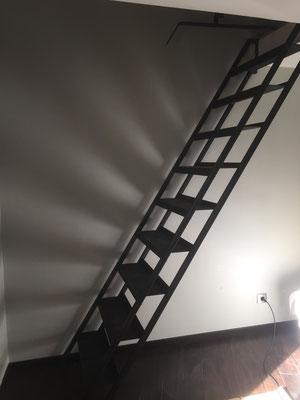Installation d'un escalier type échelle dans le gard