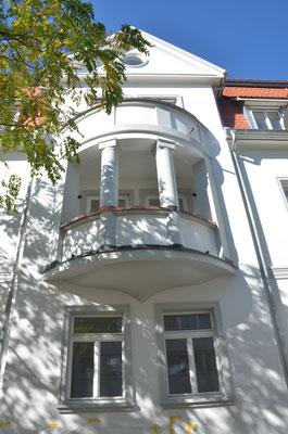 Giebel ansicht mit Balkon