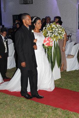 Das frisch verheiratete Hochzeitspaar