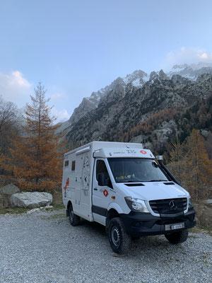 Auf 1'700 müM Alpes Maritimes France / Morgens schön und kalt