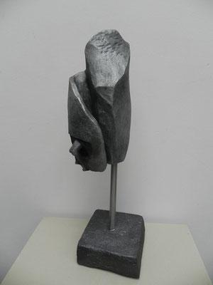 """""""Obsession"""" gris bronze sur socle béton   50 cm     200 euros"""