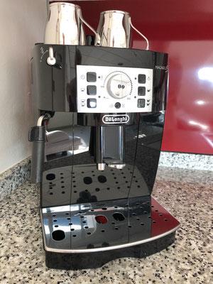 DeLonghi Espresso-Maschine mit Mahlwerk