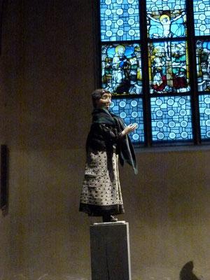 Die FRAU AUS DEM VEEDEL (Magdalena Färber) in der Milieukrippe von Sankt Maria Lyskirchen