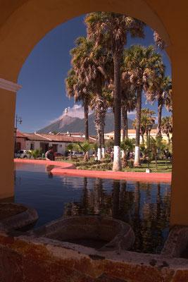 Innenhof mit Aussicht in Antigua