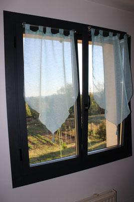Fenêtre Aluminium LAUVIE ouvrant à la francaise oscillobattante gris anthracite