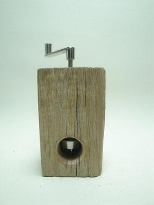 Muskatmühle / Muskatreibe  Unikat Design handarbeit Einzelstück Holz Eiche