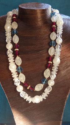 1/Colliers perles résine légère